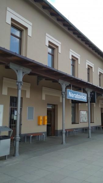 06) Sloupová hlavice a nádraží Neratovice