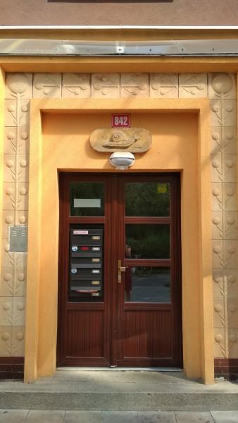 09) Domovní znamení v ul. Za obchody